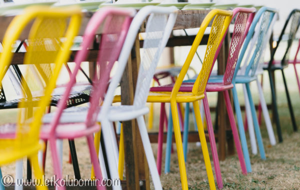 Chaise métal colorée